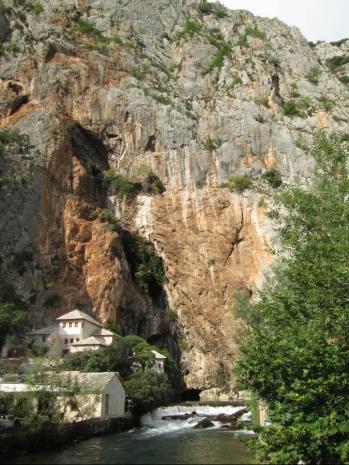 De camino al monasterior Tekke y nacimiento del Buna